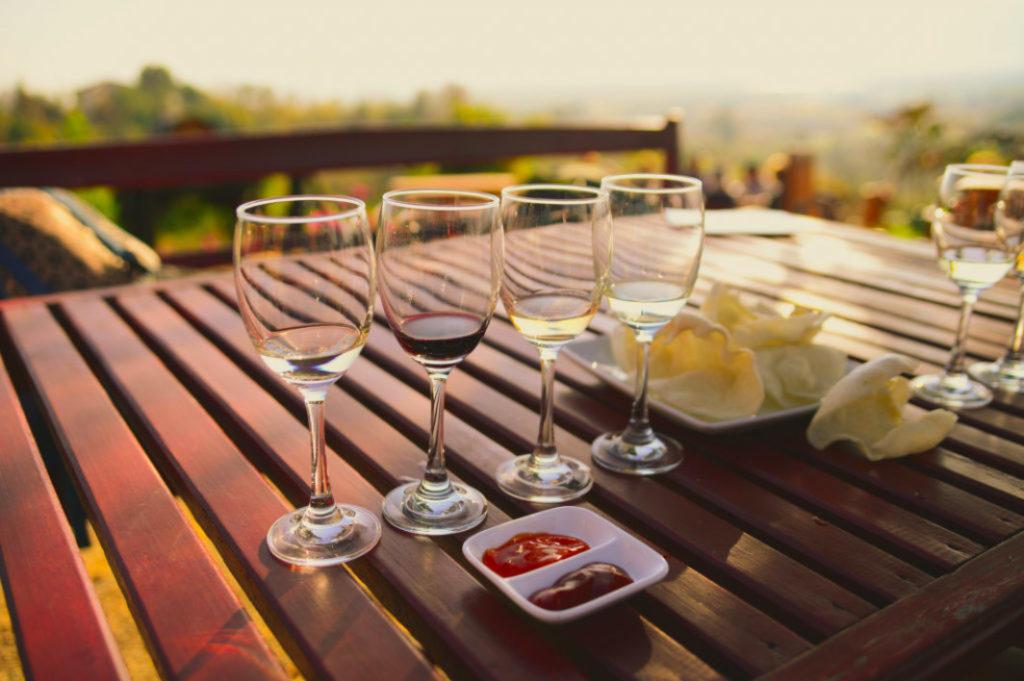 multiverse-advertising_guide-to-wine-tasting-in-myanmar_cover